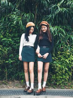 Korean Fashion: Twin Look      Twin look is dressing similiary with your friends to show friendship. It is a hot fashion trend in Kore...