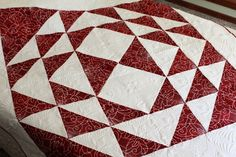 Dramatic two-color red white quilt. Stunning wall decor quilt. Table Topper.  XL Lap quilt. Coverlet. Duvet Cover. Bed cover. Bedspread. by SewKreativebyKathryn on Etsy