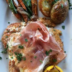 Tender breaded chicken breast, melted mozzarella, fontina, thinly sliced prosciutto #fornobistro #pollopanato #prosciutto #instafood #italianfood #simpleisdelicious #dzrestaurants