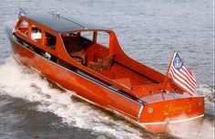 Classic-Boat-Montreal