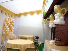 Decoración de bautizo con globos para niña - Imagui