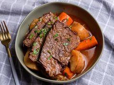 Pot Roast Recipes, Slow Cooker Recipes, Beef Recipes, Dinner Recipes, Cooking Recipes, Top Recipes, Easy Recipes, Entree Recipes, Kitchens