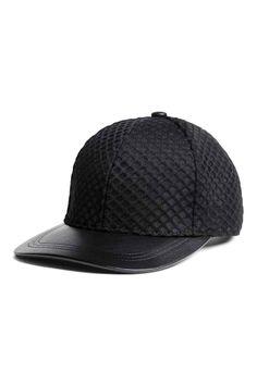 new arrival 275b9 a8e75 Gorra de malla   H M Black Cap Outfit, Cap Outfit Summer, H m Gifts,