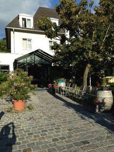 Blick auf das Hotel & Restaurant Höldrichsmühle (mit unfreiwilligem, besonderem Selfie ;-)) #ViaSacra #Mostviertel #bloggerpilgern