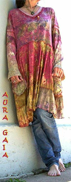 Misty Roses ~ OverDyed Upcycled Tunic Dress by AuraGaia.love this look and I would wear jeans with all of these styles ! Gypsy Style, Hippie Style, Bohemian Style, Boho Chic, Paisley, Estilo Hippie Chic, Mode Hippie, Boho Fashion, Fashion Outfits