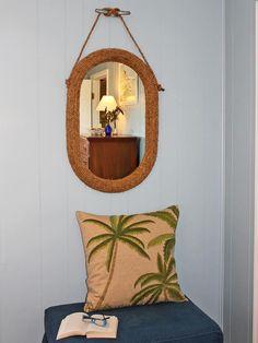 Budget Beach Cottage: Make a Nautical Rope Mirror (http://blog.hgtv.com/design/2013/06/05/budget-beach-cottage-make-a-nautical-rope-mirror/?soc=pinterest)