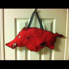 Razorback burlap door hanger