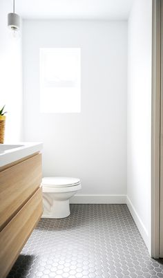 Unusual Tiny House Bathroom Shower Ideas - Page 10 of 79 Tiny House Bathroom, Modern Bathroom, Master Bathroom, Bathroom Ideas, Restroom Ideas, Restroom Remodel, Bathroom Designs, Bathroom Faucets, Bathroom Inspiration
