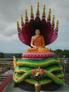 Buddha Temple, Buddha Zen, Gautama Buddha, Buddha Meditation, Buddha Wallpaper Iphone, Theravada Buddhism, Buddhist Practices, Art Inspiration Drawing, Guanyin