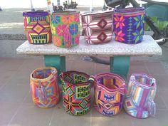 $120 euros, 163 US Dollars. Includes worldwide shipping. Whatsapp: +573154833188 - Pin: 7a85e20e - www.artemalu.com