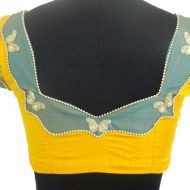 Blouse Neck Designs With Patch Work, Another article for all those who want some stylish patch works with our old traditional blouse designs. 60 Easy and Simple Blouse Design to try - Wedandbeyond Saree blouse design continues to change with fashion trend Blouse Neck Models, Saree Blouse Neck Designs, Choli Designs, Sari Blouse, Blouse Neck Patterns, Patch Work Blouse Designs, Simple Blouse Designs, Stylish Blouse Design, Traditional Blouse Designs