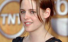 Kristen Stewart Hollywood Celebrity HD Wallpapers, Kristen Stewart Hollywood Celebrity HD Photos, Hollywood Celebrity Kristen Stewart Smile...
