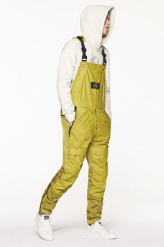 Stone Island Experiments With Formal Aesthetics for Its 2016 Fall/Winter Collection: Another run of high-performance gear from the techwear stalwart. Black Overalls Outfit, Island Outfit, Herren Outfit, Winter Collection, Work Wear, Street Wear, Menswear, Mens Fashion, Clothes