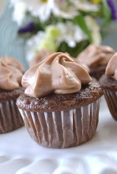Miranda's Recipes: Nutella Cupcakes.... NUTELLA CUPCAKES!!!!!!!! OMG I WANT