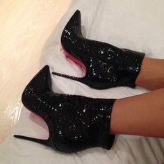 These look like witch shoes, but they're cute anyways