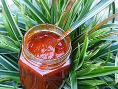 Verboten gut ⚠: Frank Rosin´s ~ Currywurstsauce - Jenny L. Chili Recipes, Sauce Recipes, Dip Recipes, Cooking Recipes, Chutneys, Curry Ketchup, Keto Sauces, Vegan Curry, Food Club