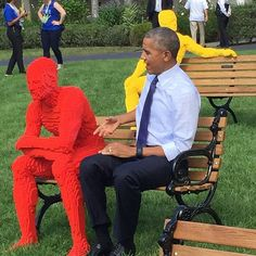 Art is wherever you find it. And POTUS found some on the @whitehouse South Lawn. #sxsl #ParkPeople