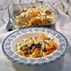 Rollitos de berenjena con pasta y requesón rallado