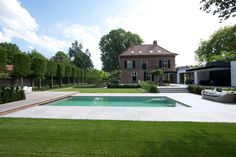 Villa Isola Bella in Nuenen, Netherlands, with #TerraTones collection #innovative #subtile tile surface with a #natural appearance