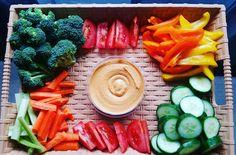 Delicious spring veggie tray Veggie Tray, Food Art, Carrots, Vegetables, Spring, Vegetable Platters, Veggie Food, Vegetable Recipes, Veggies