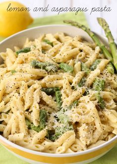 Cheesy Lemon and Asparagus Pasta - another great dinner idea for my weekly menu plan!