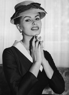 1957. Sophia Loren recita nel film Orgoglio e Passione con Cary Grant e Frank…