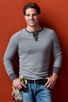 <3 Scott McGillivray! Doesn't he make you want to offer up the basement of your home  for rent, on the off chance that he may come and help turn it into an income property? Anyone?...anyone? ....ok...i see....JUST ME, then. *sigh* :)