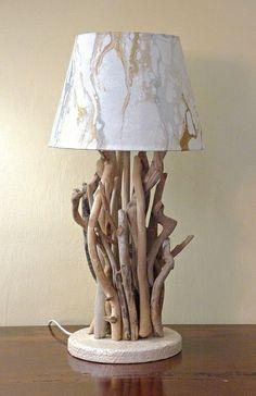 Luce da tavolo con legni di mare, bois flotté di mastro pier su DaWanda.com Willow Furniture, Eco Furniture, Rustic Furniture, Furniture Design, Driftwood Crafts, Seashell Crafts, Diy Decoupage Art, Homemade Lighting, Corner House