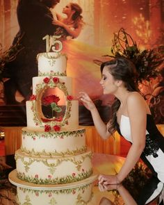 Beauty And The Beast Wedding Cake, Beauty And Beast Birthday, Beauty And The Beast Theme, Wedding Beauty, Quinceanera Planning, Quinceanera Decorations, Quinceanera Party, Sweet 16 Decorations, Quince Decorations