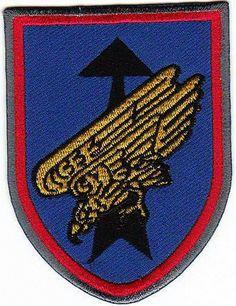 Luftlandebrigade 26  Blasonierung: Rot bordiert, ...