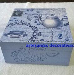 Caja de te decorada con stencil y decoupage