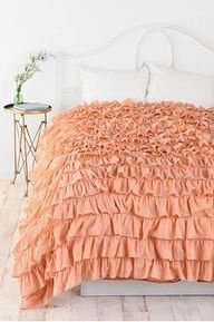 Waterfall Duvet Cover Tutorial  I really really dont want to buy one for 150$ for my daughter.....so ....another project. sigh. its cute though