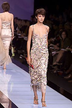 Valentino Spring 2000 Ready-to-Wear - Collection - Gallery - Style.com