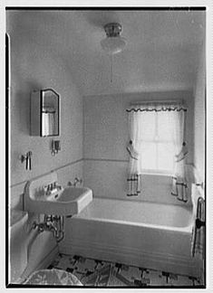 1940 - Great big tub for bath therapy, large sink, space between the tub, sink, & toilet. Perfect combo.