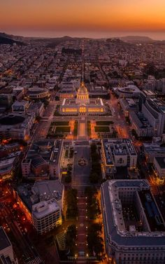 An aerial view of San Francisco, with the city hall as a center point, is simply gorgeous! #SanFrancisco #BirdsEye #CityHall