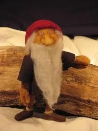 This looks just like Astrid Lindgren's Tomten! I would love to give Peter this and a needle felted fox. Time?