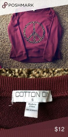 Semi-Cropped Sweatshirt ☮☮ Comfy, oversized, semi cropped maroon sweatshirt! Perfect for lounging around! Cotton On Tops Sweatshirts & Hoodies