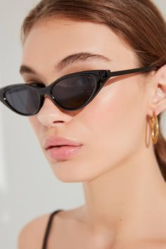 The Cats Meow Cat-Eye Sunglasses | Urban Outfitters [mychonly.com]