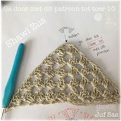 Shawl Zus handmade by juf Sas met gratis patroon Shawl Zus handmade by juf Sas met gratis patroon Quilts, Crochet, Handmade, Granny Squares, Shawls, Action, Amazing, Scrappy Quilts, Ponchos