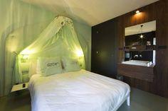 Room 23: Pailette by Desiree Hammen