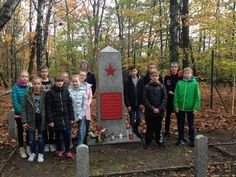 Mikołów - uczniowie sprzątają mogiły Armii Czerwonej