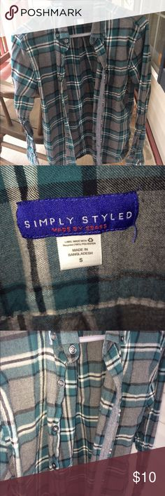 Simply Styled Men's shirt in size small Simply Styled men's shirt in size small, never worn before brand new! Simply Styled Shirts Casual Button Down Shirts