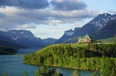 Waterton Lakes National Park, Canada  #MaladeViagem #WatertonLakes #NationalPark #Canada #Maladeviagem