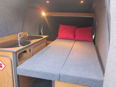CAMPERVAN - 2006 FORD TRANSIT CONNECT - BRAND NEW CONVERSION!
