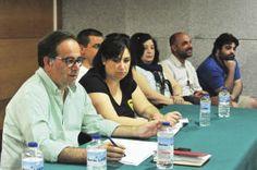 El equipo dirigido por Jorge Castiñeiras presentó la dimisión para iniciar el proceso electoral. // I. Abella