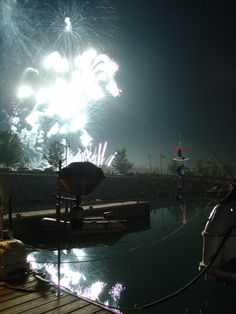 Fireworks at Southport Marina, Kenosha WI. Phoography by www.tdavispainthouse.com