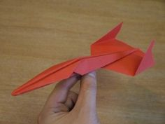 Very fast paper airplane Bunny Origami, Dinosaur Origami, Origami Butterfly, Origami Easy, Origami Paper, Oragami, Easy Paper Crafts, Diy And Crafts, Origami Aeroplane