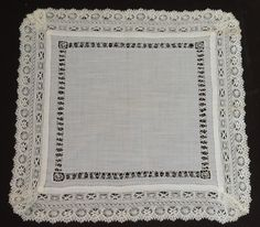 EXQUISITE ANTIQUE WEDDING HANKY WITH HANDMADE LACE ELEMENTS OO65