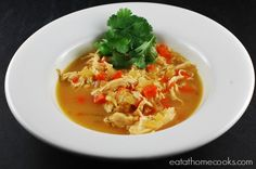 Slow Cooker Thai Chicken Curry Soup