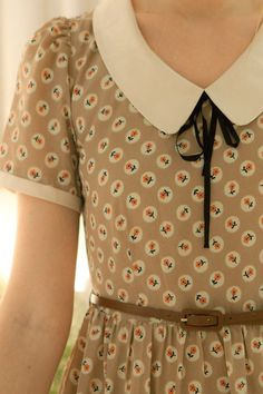 Delightful floral print Peter Pan collar | Prints | Floral | Pretty dress | Belt | Womens fashion |